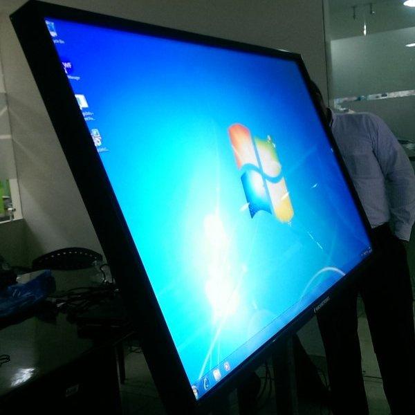 Monitores touch o táctiles
